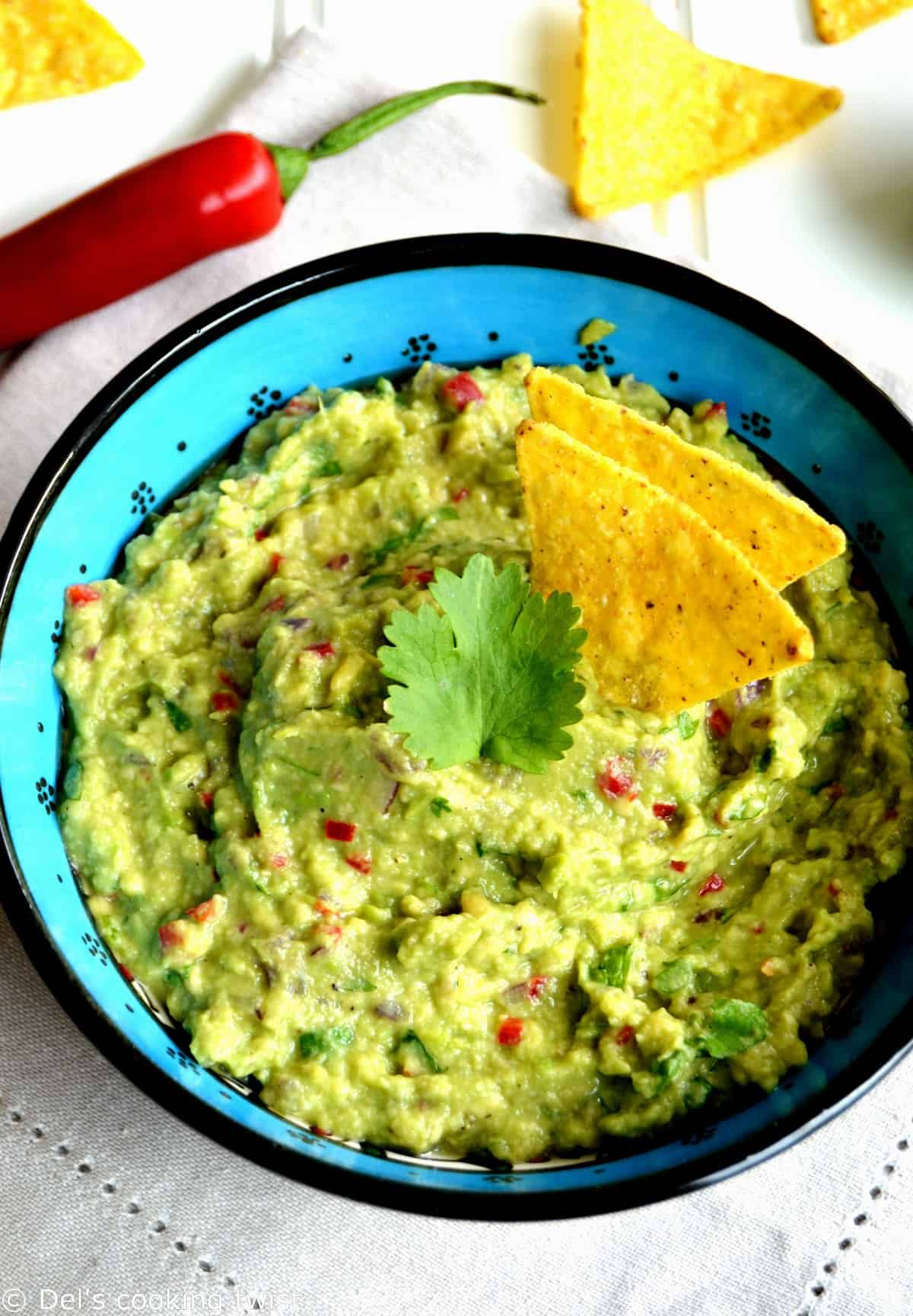 These 8 meatless Mexican-inspired recipes will be perfect for Cinco de Mayo or any Mexican party with friends.