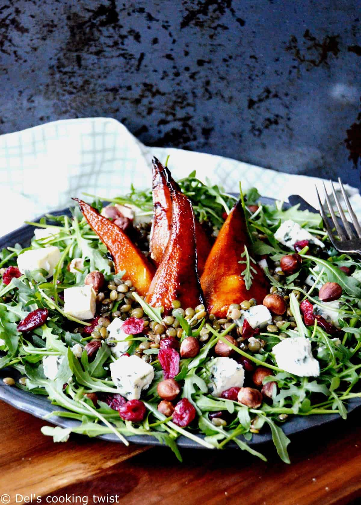 Lentil salad with blue cheese and pears