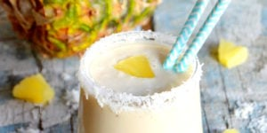 Smoothie tropical ananas et noix de coco