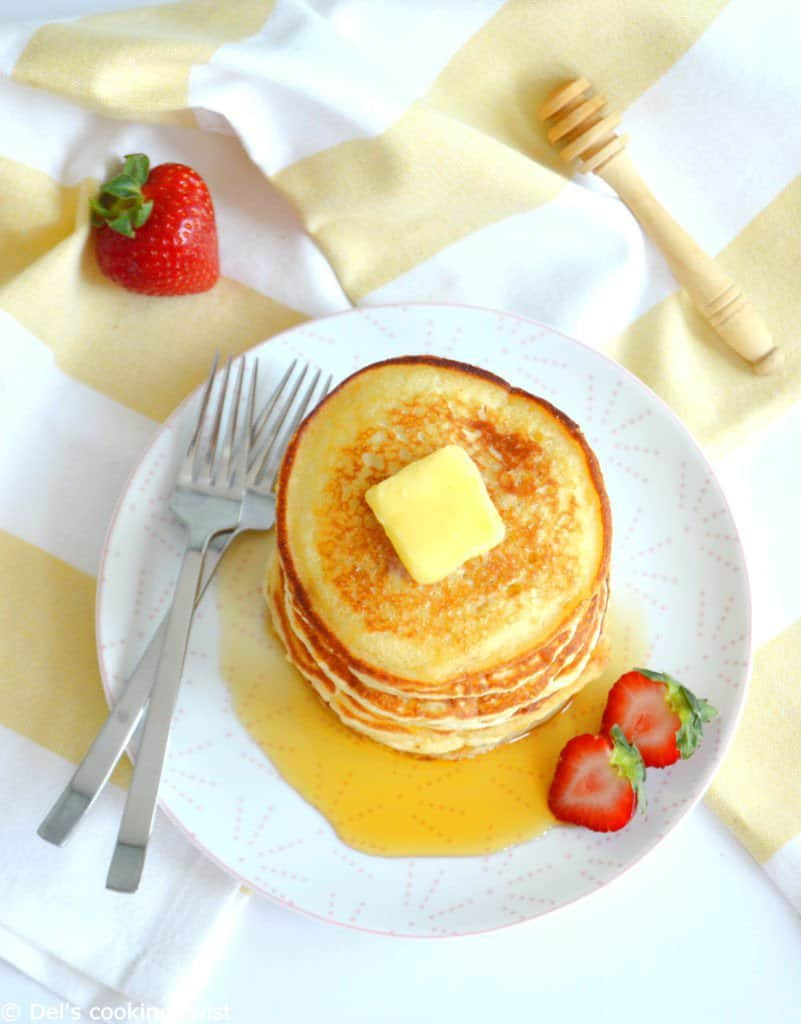 Easy fluffy american pancakes dels cooking twist easy fluffy american pancakes ccuart Gallery
