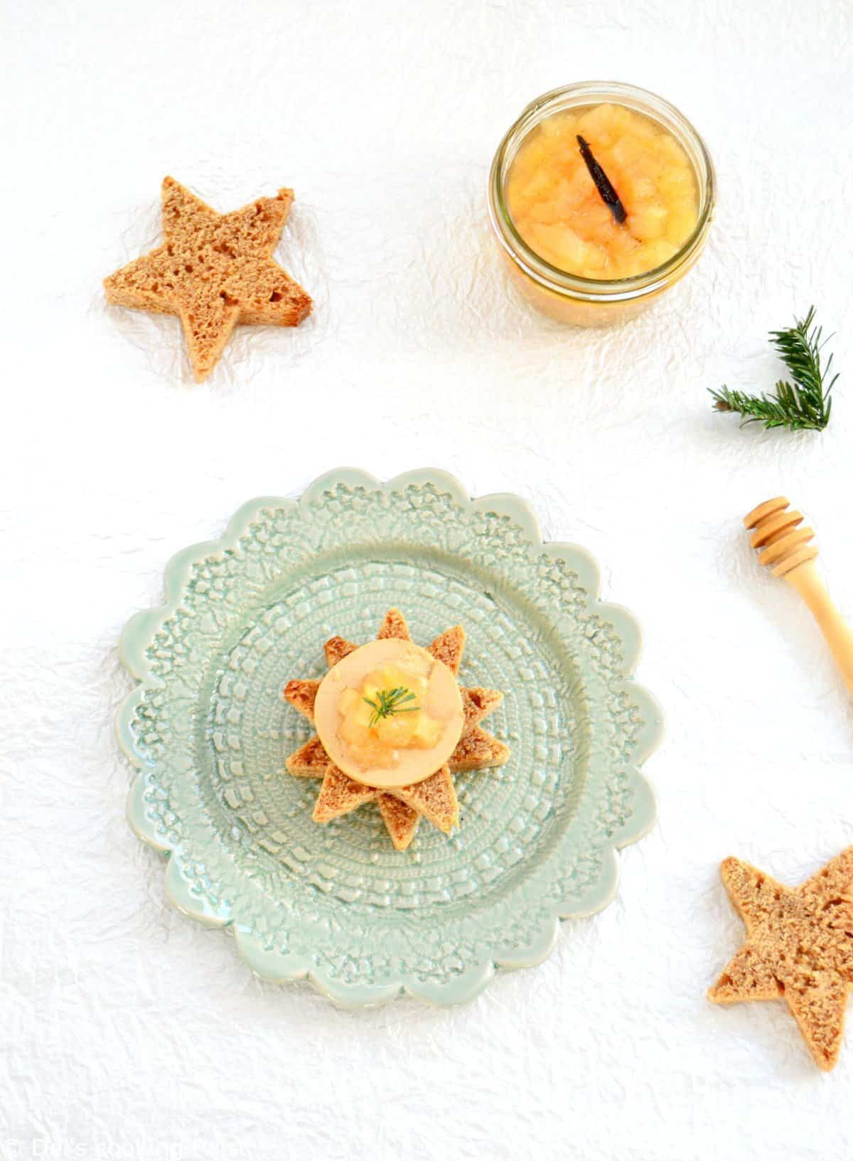 Star-Shaped Gingerbread with Foie Gras and Pear Confit