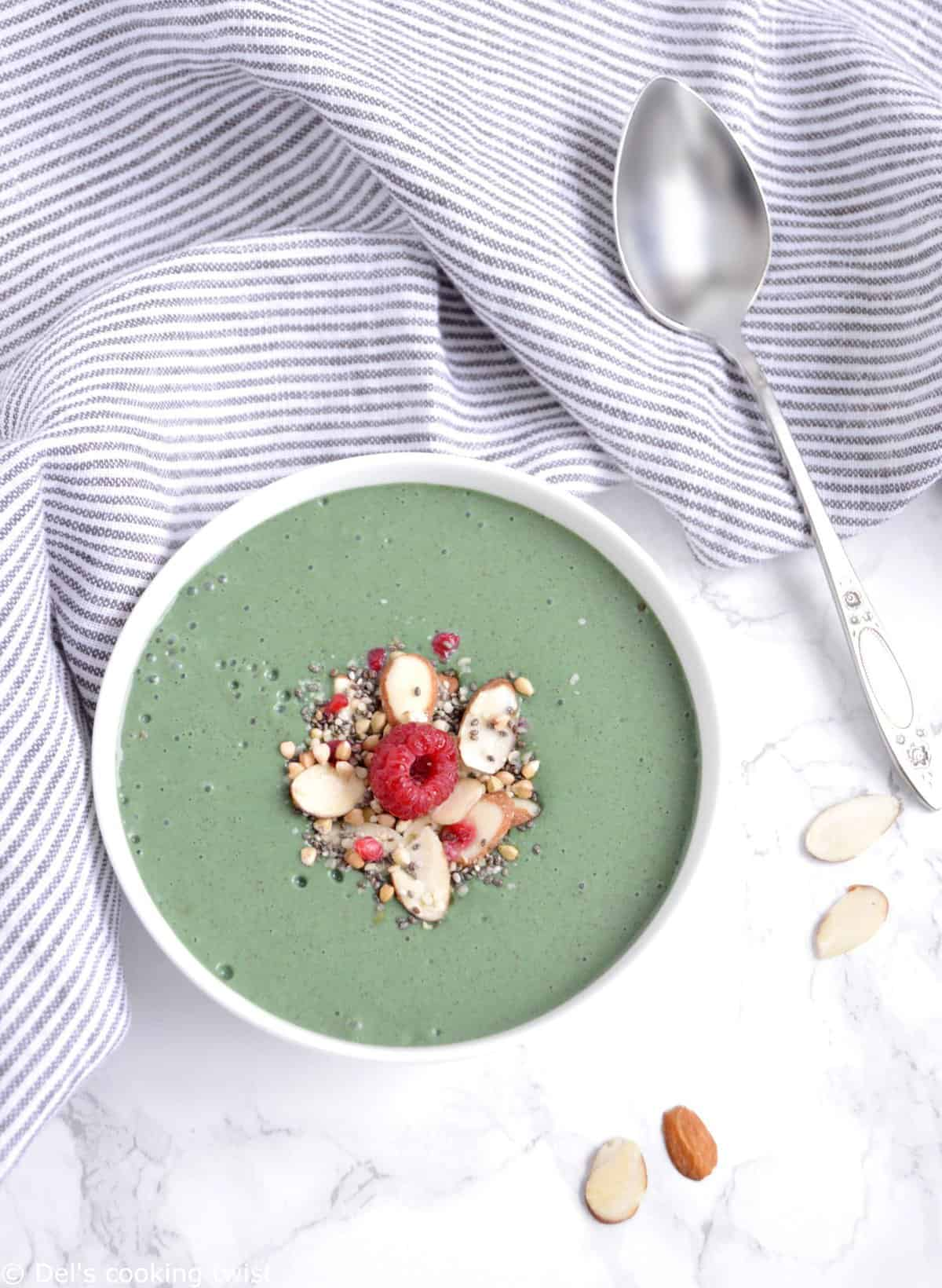 My favorite spirulina smoothie bowl