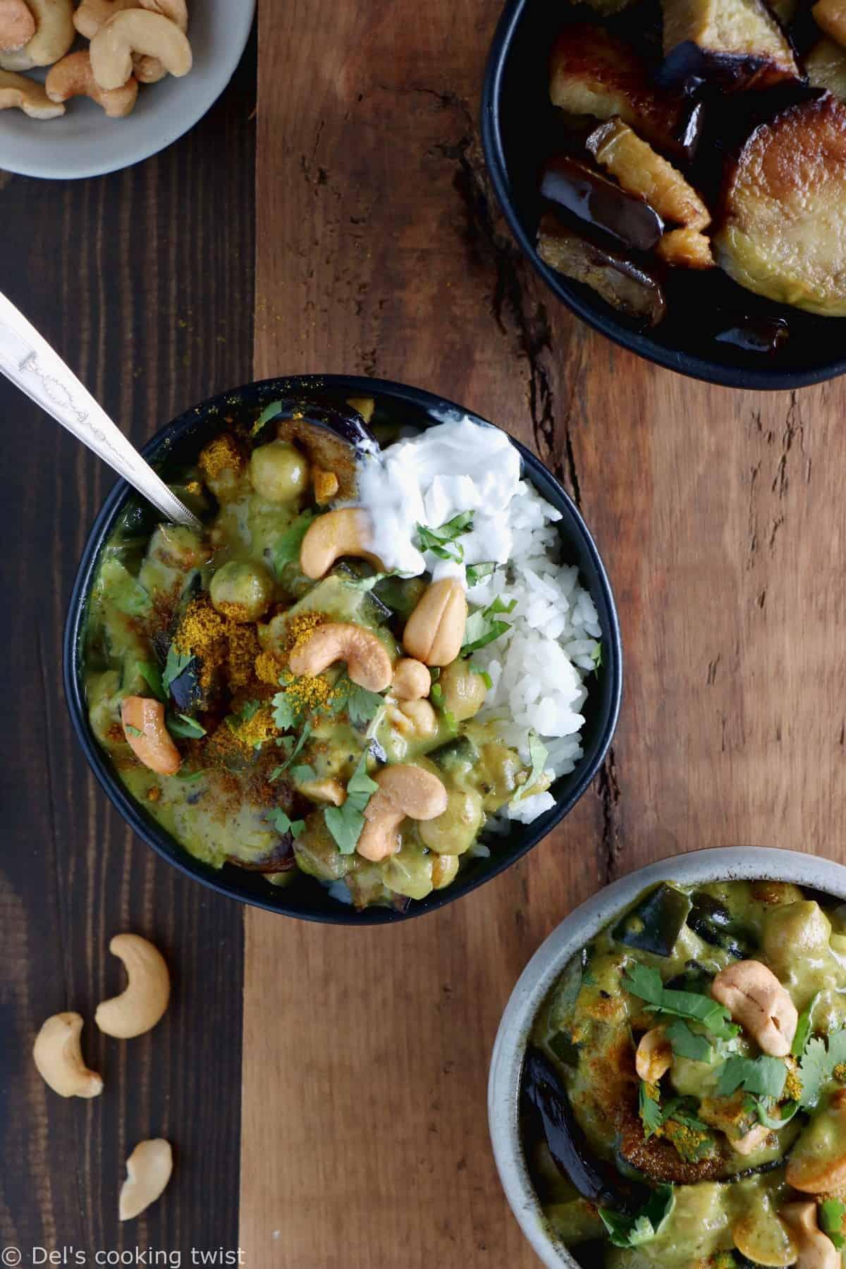 Ce curry d'aubergine et pois chiches vegan et sans gluten constitue un plat rapide, crémeux et riche en protéines végétales.
