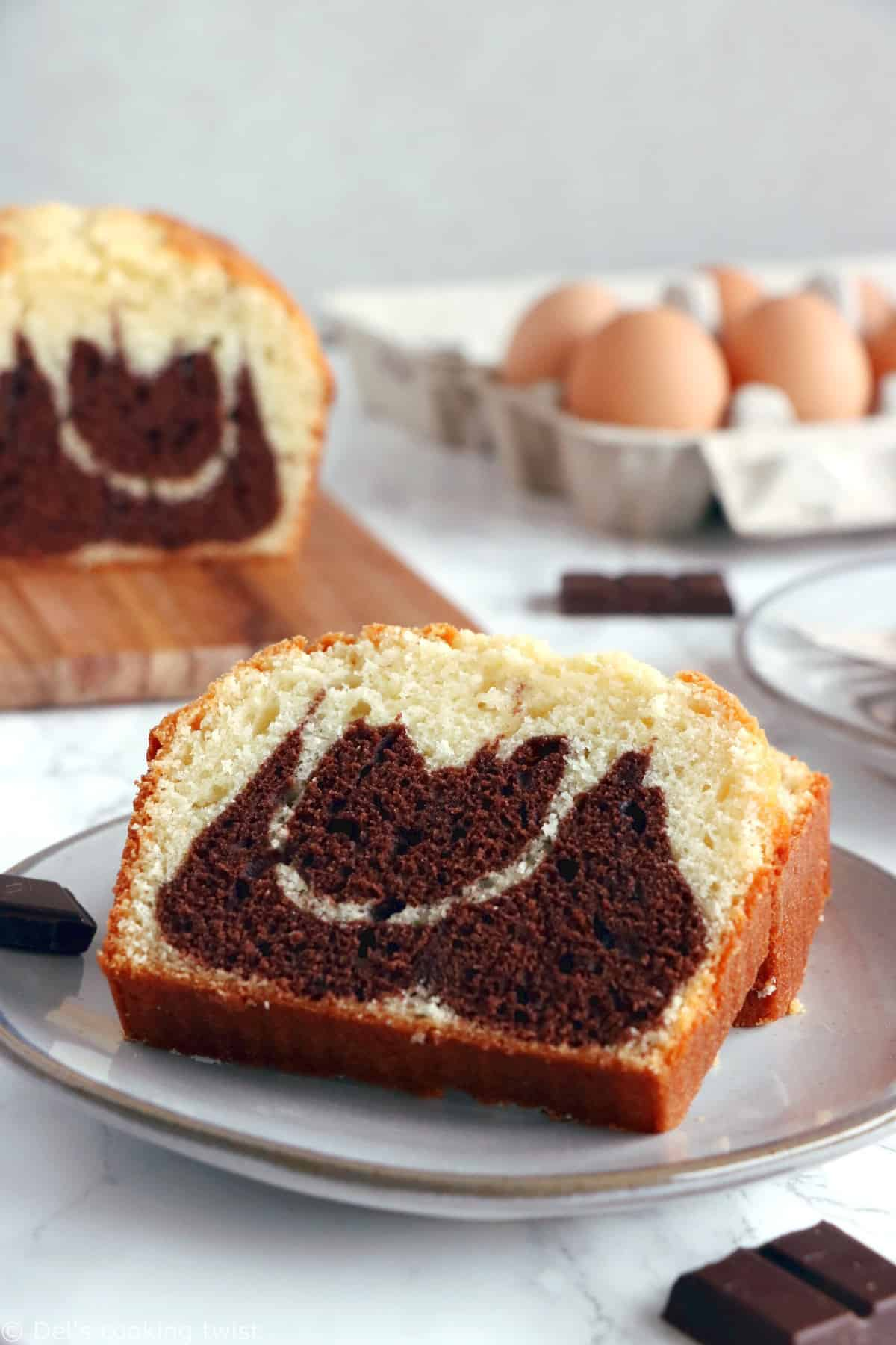 Easy Chocolate Marble Yogurt Cake has become a basic recipe in my house. It's light, fluffy, moist, delicious, and ready in no time.