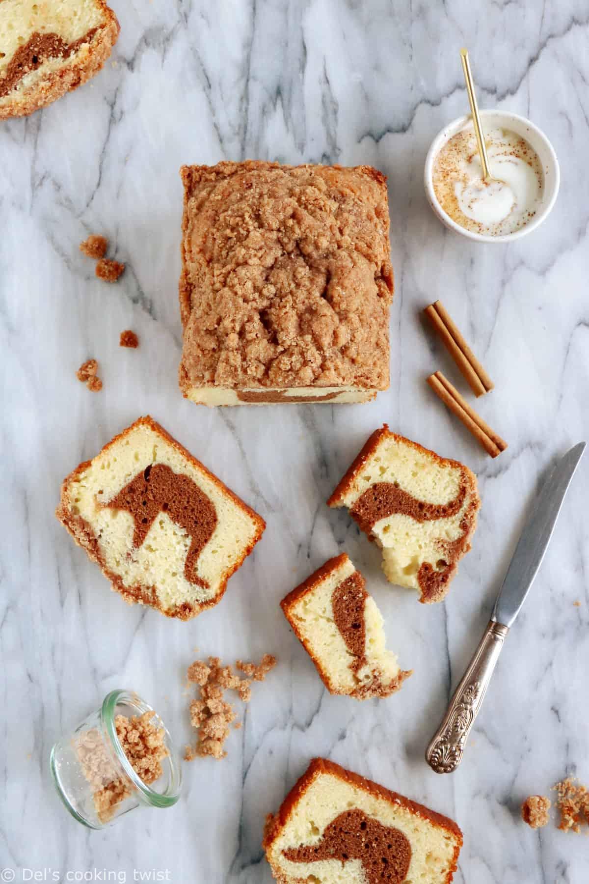 Le cake marbré à la cannelle est une recette toute simple délicieusement parfumée à la cannelle.