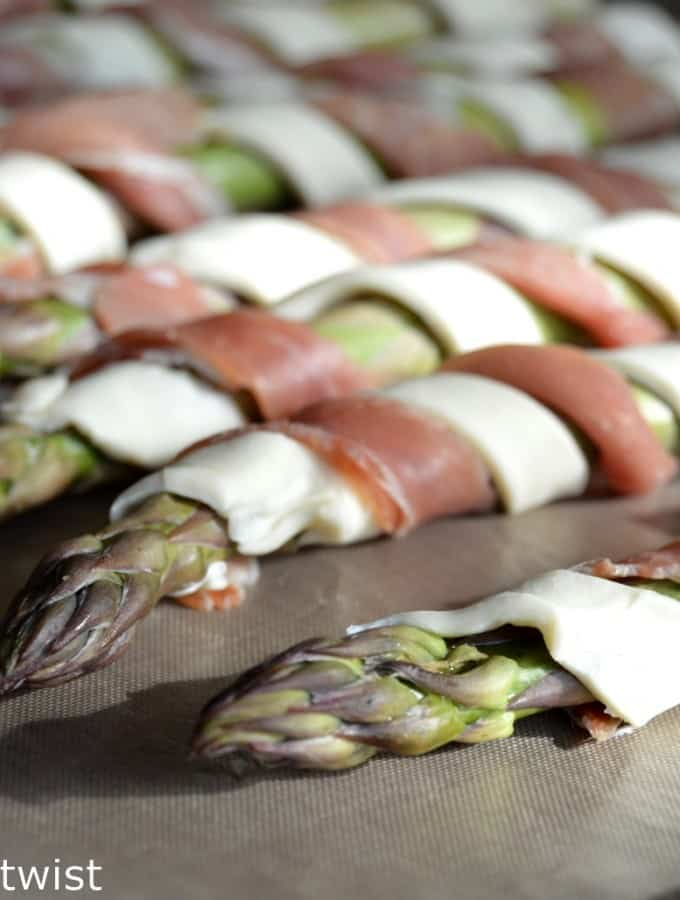 Puff Pastry & Prosciutto wrapped Asparagus