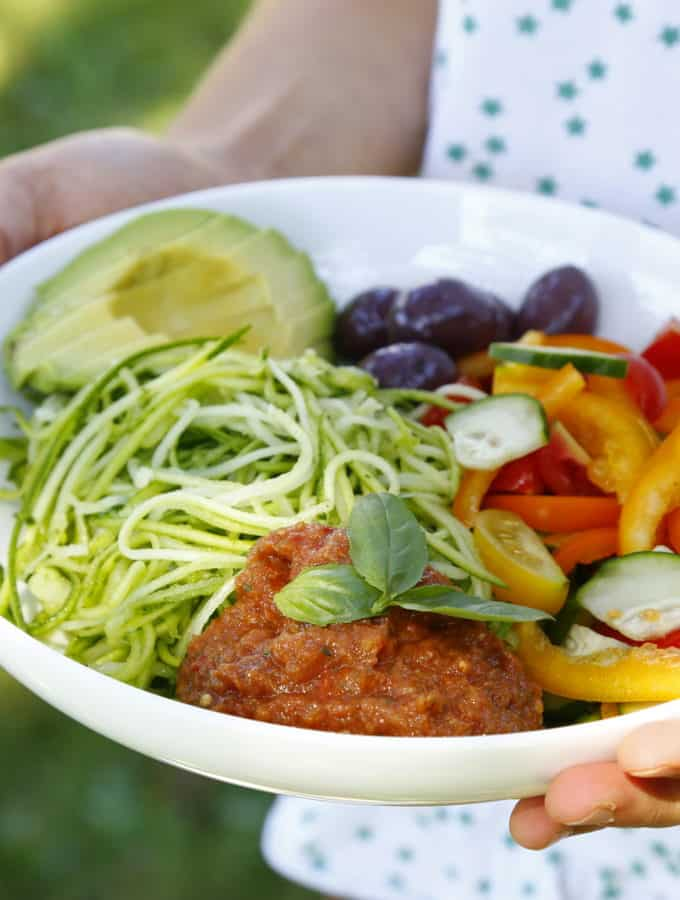 Raw Courgette Spaghetti Bowl {Guest Post by Food Moods}