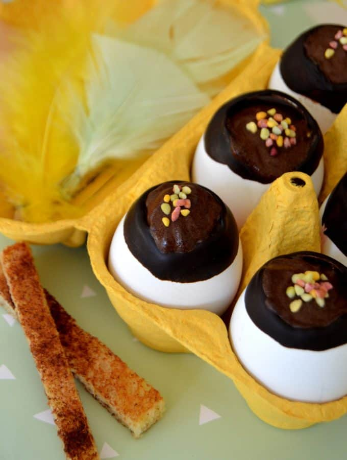 Easter eggs with chocolate mousse