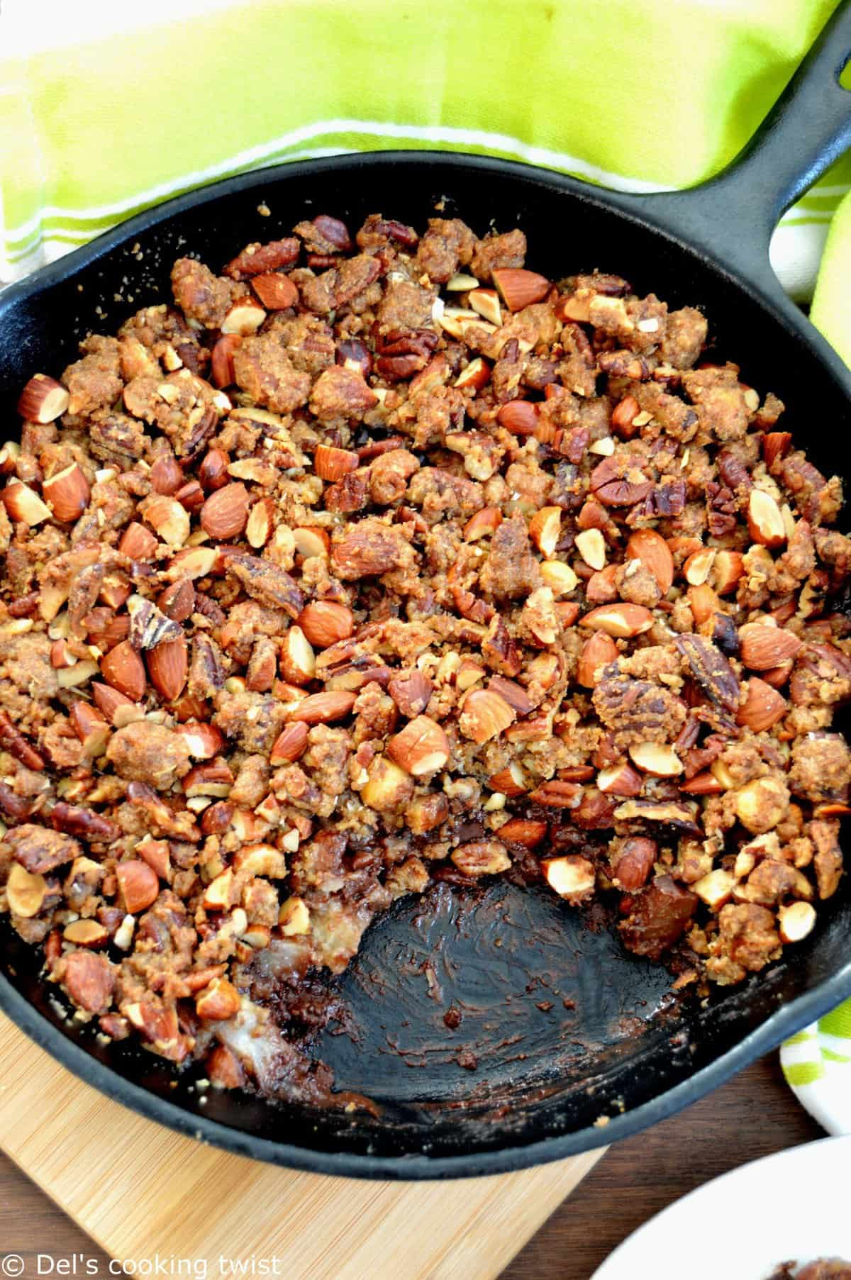 Crunchy pecan pear chocolate crumble