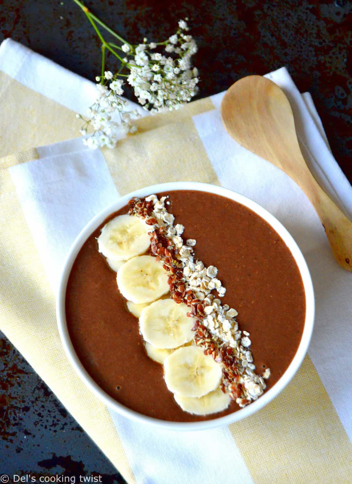 Smoothie bowl vegan à la caroube
