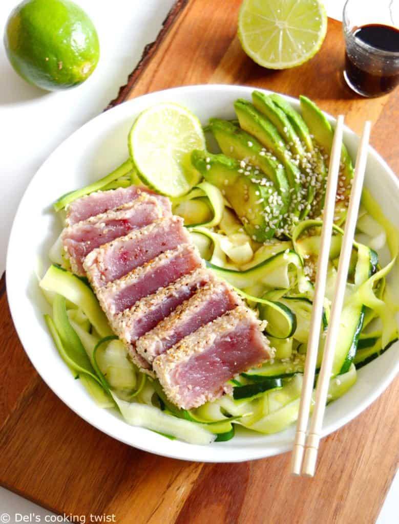 Thon Ahi au sésame grillé et tagliatelles de courgettes