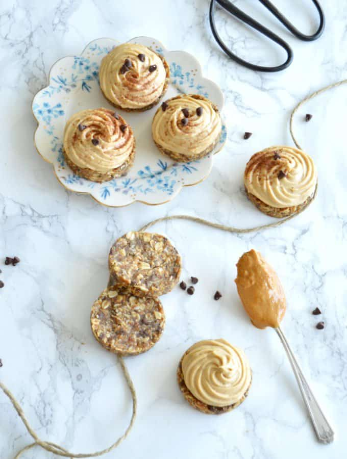 Mini Healthy Peanut Butter Pies (Vegan, Gluten & Refined Sugar Free)