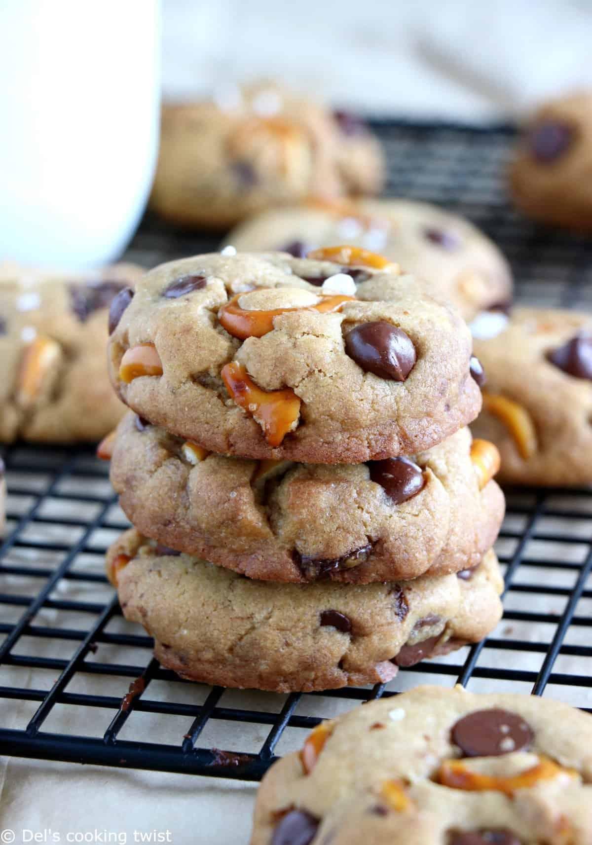 salted-pretzel-chocolate-chip-cookies