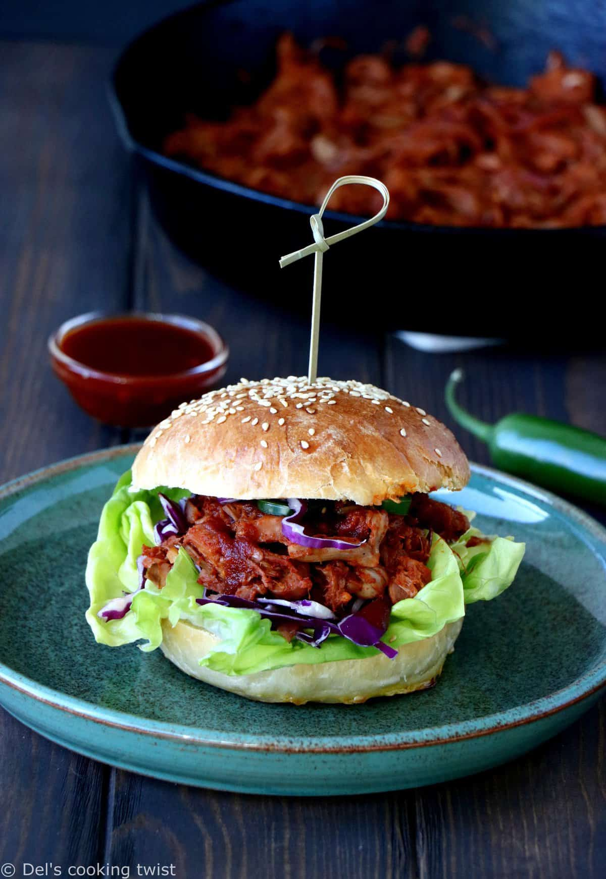 Jackfruit Pulled Pork Burger