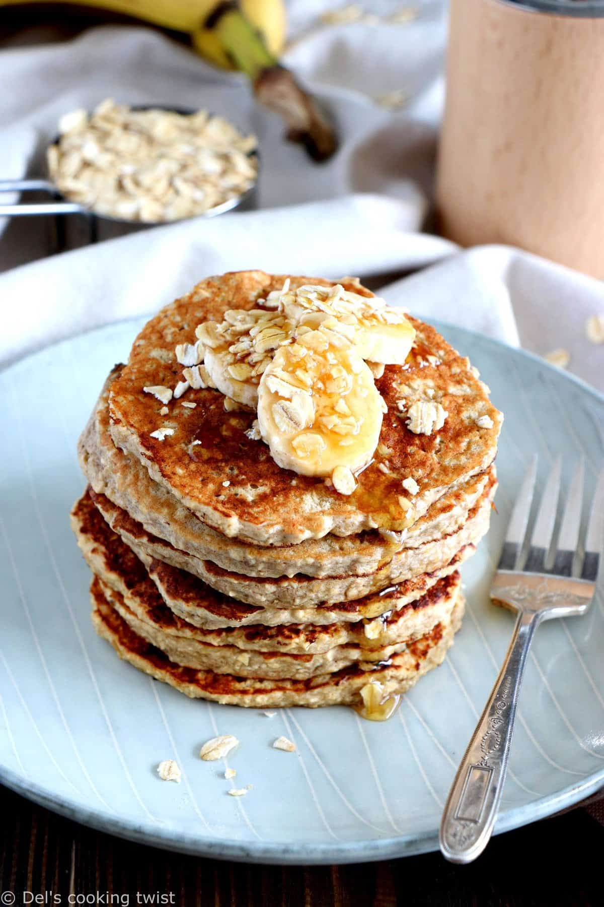 Quick Oatmeal Banana Blender Pancakes