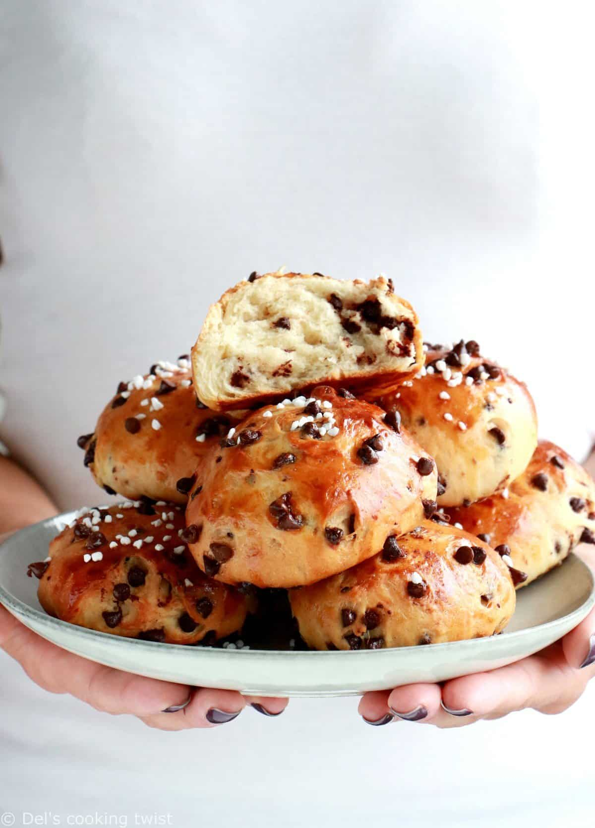 Easy Chocolate Brioche Buns
