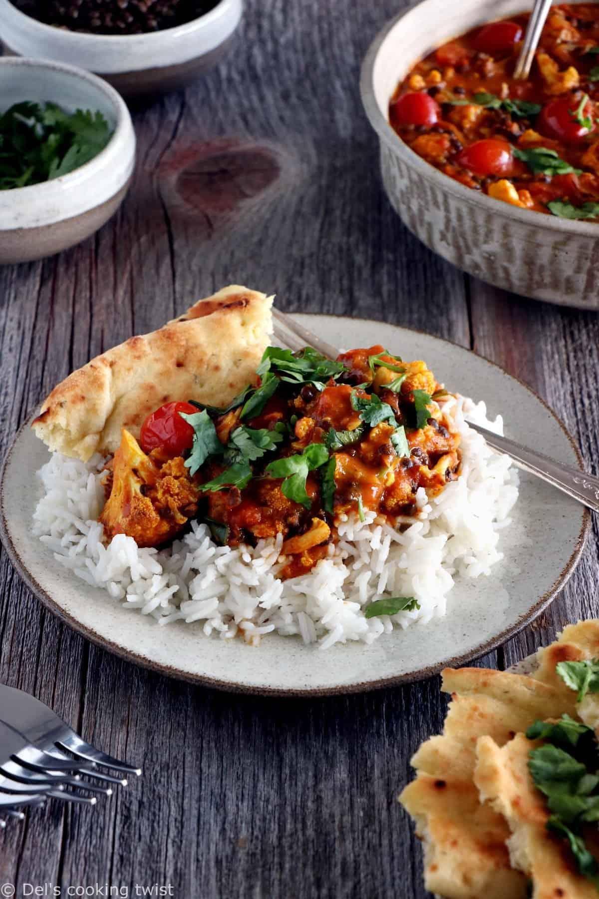 Curry de chou-fleur et lentilles au lait de coco