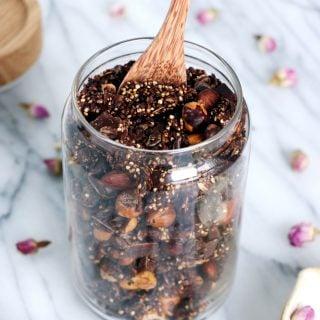 Crunchy Chocolate Quinoa Granola