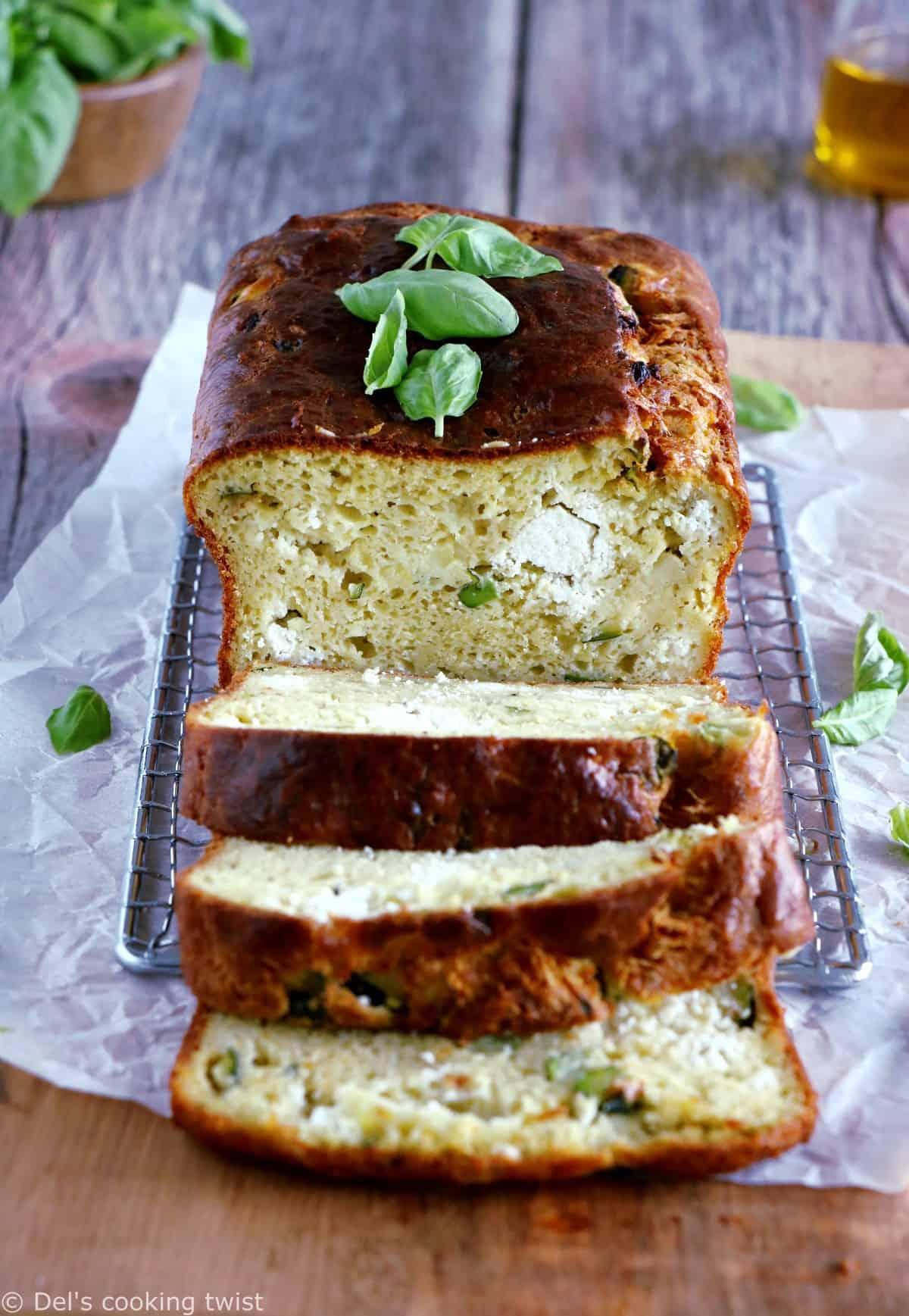 Cake aux courgettes, chèvre frais et basilic