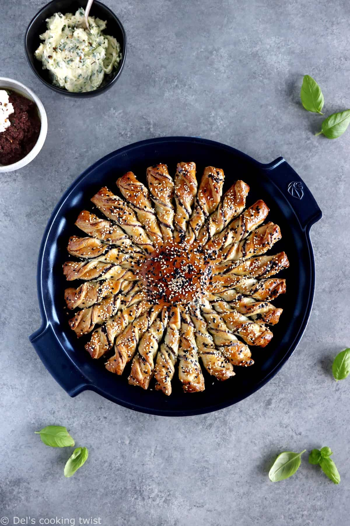 Tarte Soleil Appetizer: 5 Ways!Tarte Soleil Appetizer is a French-inspired pull-apart puff pastry that always makes the greatest impression among your guests. It comes here in 5 easy ways and different fillings, so you never run out of options!