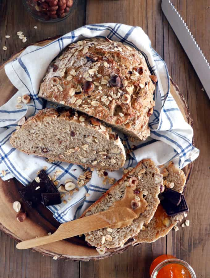 This no-knead hazelnut oat breakfast bread is a variation of the no-knead bread. With absolutely no effort, you get a perfect artisan bread every time you make it.