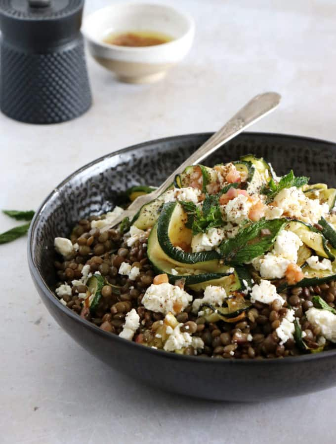This simple lentil salad with zucchini, feta and mint is the perfect easy meal for busy days. Vegetarian, gluten-free and healthy, it's packed with wonderful refreshing flavors.